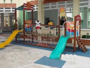 Đồ chơi ngoài trời kích thích tính vận động cho trẻ