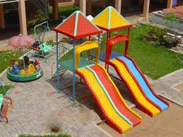 Thiết bị đồ chơi ngoài trời để cho trẻ có  nhiều cơ hội vận động thể chất