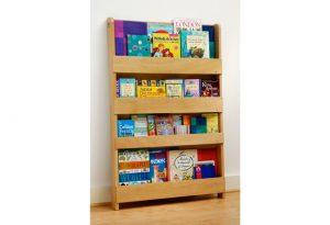 3 lý do bạn nên lựa chọn giá sách gỗ cho bé yêu nhà mình