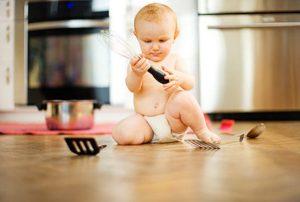 Hô biến 7 vật dụng trong nhà thành đồ chơi cho bé