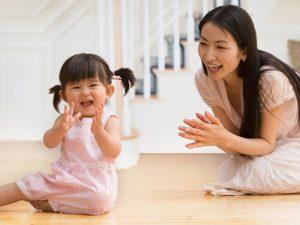 Bỏ túi 5 trò chơi giúp luyện phản xạ nhanh cho trẻ 1 tuổi