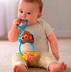 Chọn mua đồ chơi cho bé trai cần lưu ý điều gì?