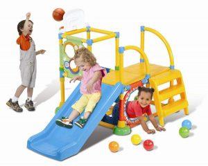 4 lưu ý cần ghi nhớ khi mua cầu trượt cho bé