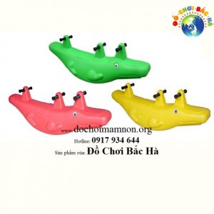 Bập bênh đôi hình con cá sấu