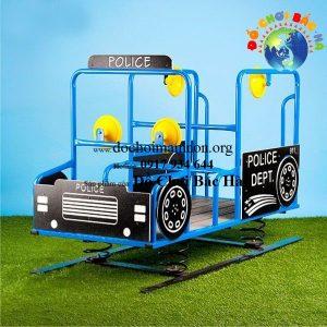 Nhún lò xo xe cảnh sát số 5